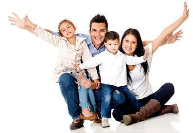 imagen familia completa seguro exequial seguro serenus